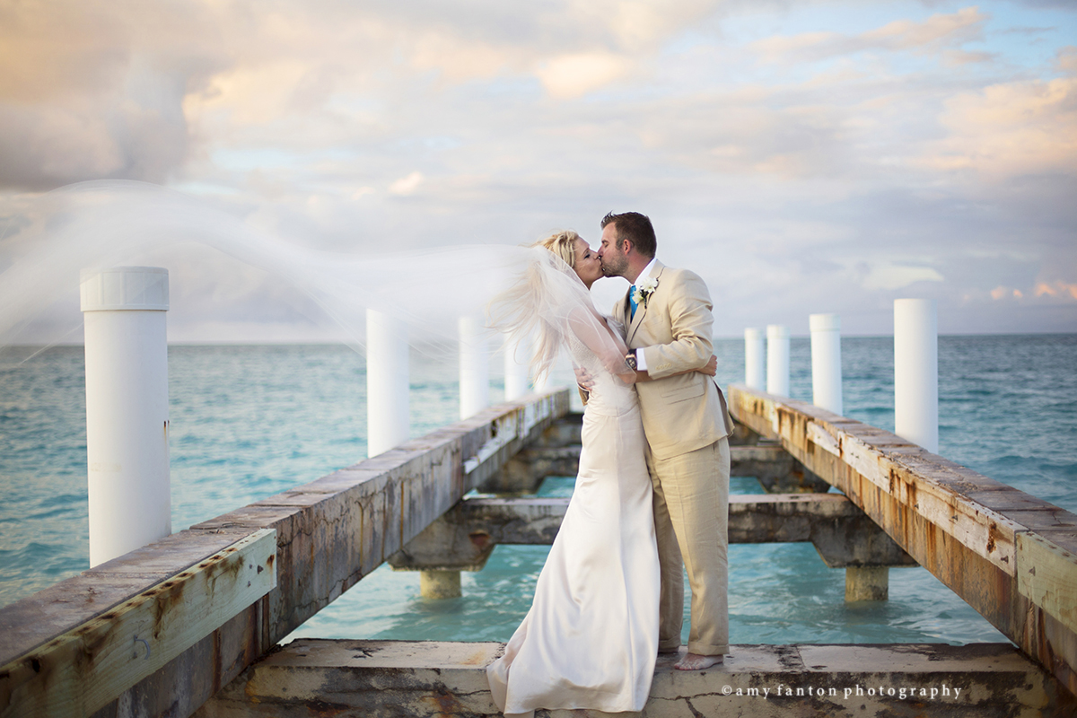 London wedding photographer in turks caicos london wedding to book your destination or london wedding photography package with me please call me at 07462907790 or email me at amyfantonphotography junglespirit Gallery